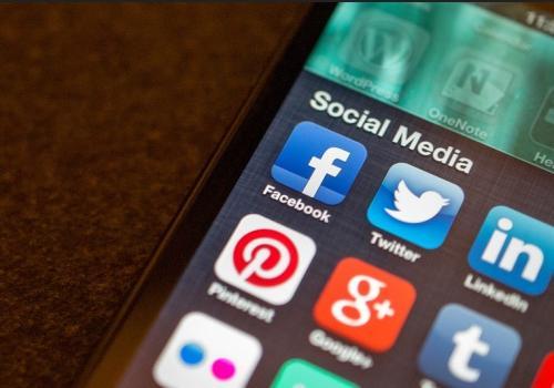 Tips Memilih Sosial Media yang Sedang Hits