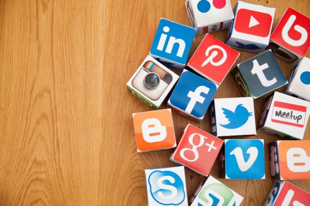 Kelebihan Sosial Media