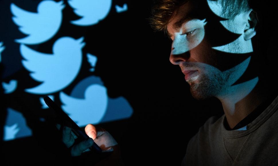kebijakan twitter yang berpengaruh pada jumlah pengikut saja