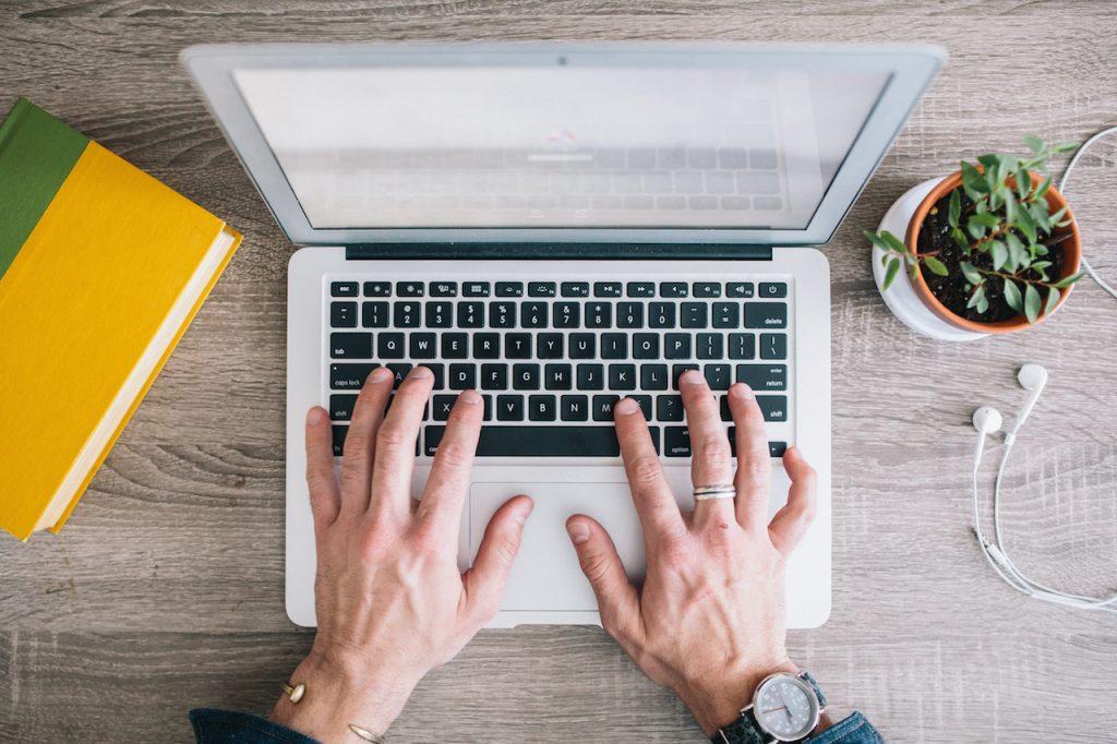 3._Membagikan postingan di blog ke akun sosial media