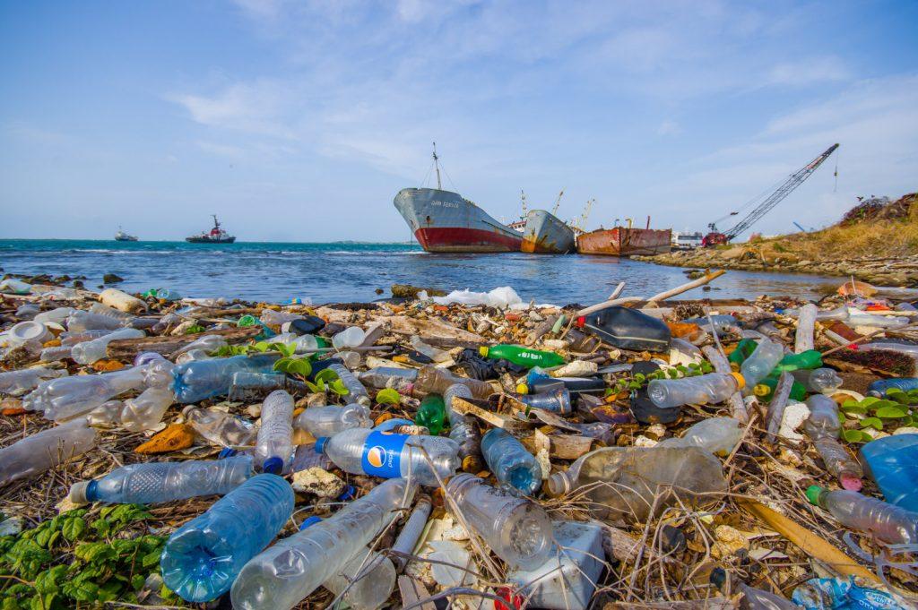 3. pencemaran sampah plastik