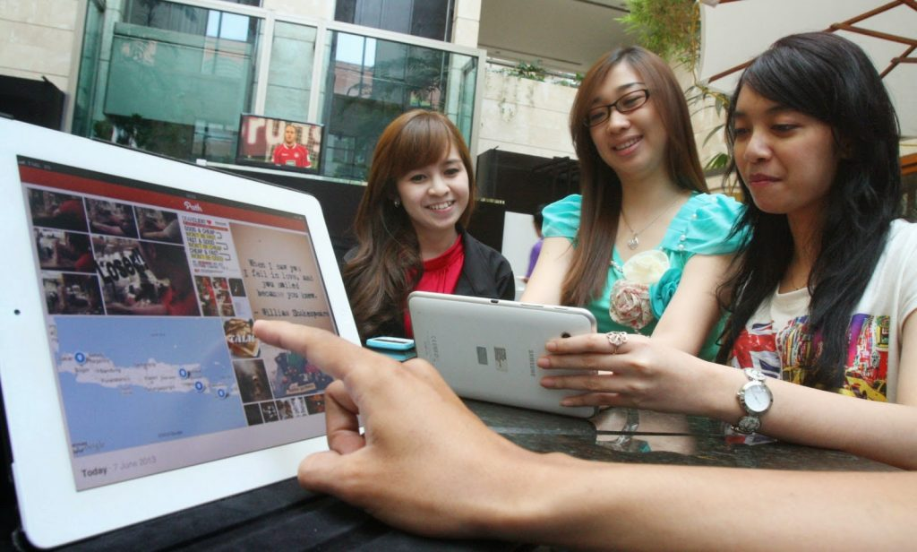Berkampanye Media Sosial untuk Menggaet Massa di Kalangan Milenial