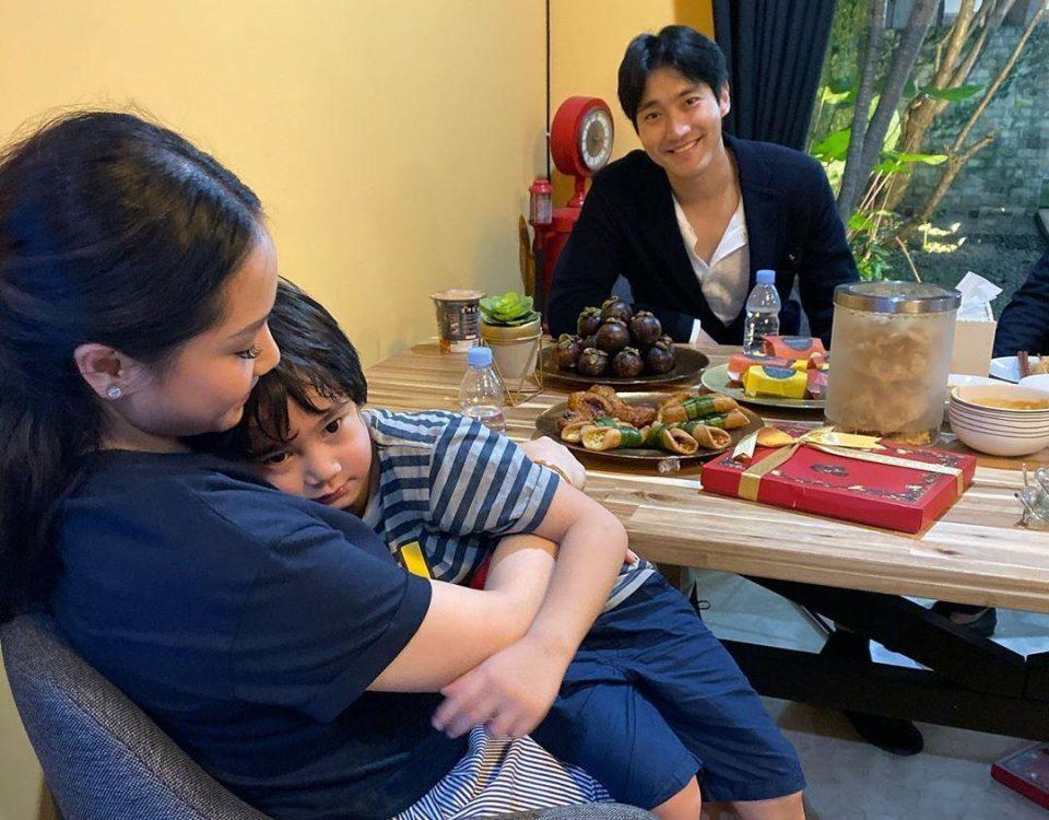 Siwon makan malam bersama keluarga Raffi