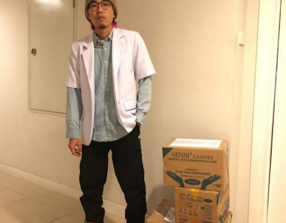 Penampilan dokter Tirta dengan sneakersnya