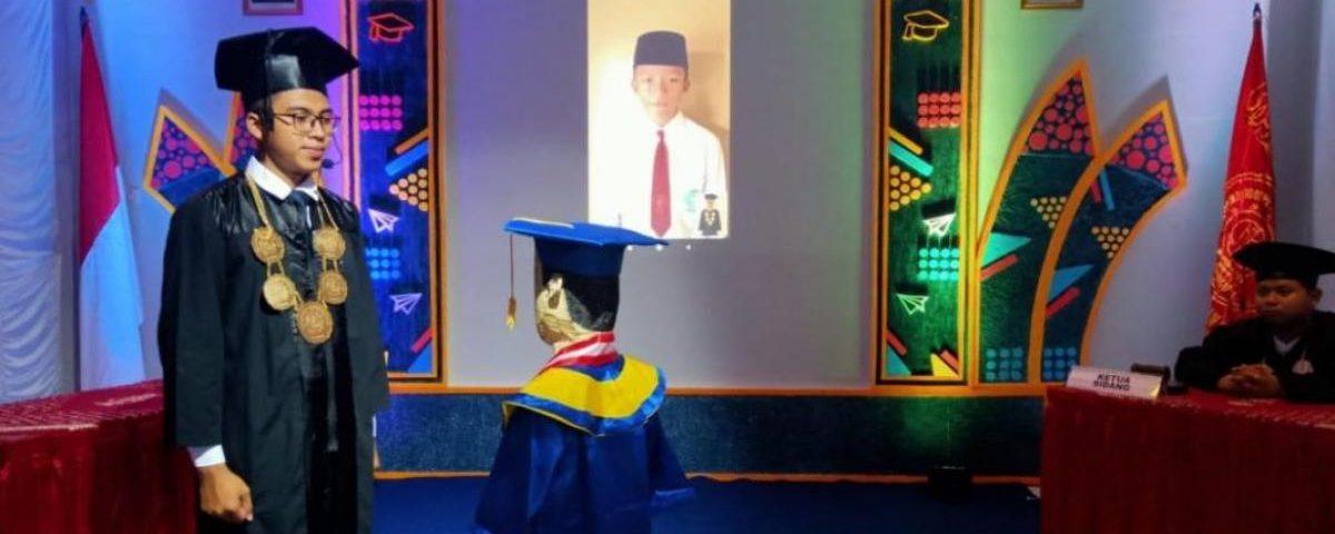 Wisuda online Madrasah Ibtidaiyah Wahid Hasyim