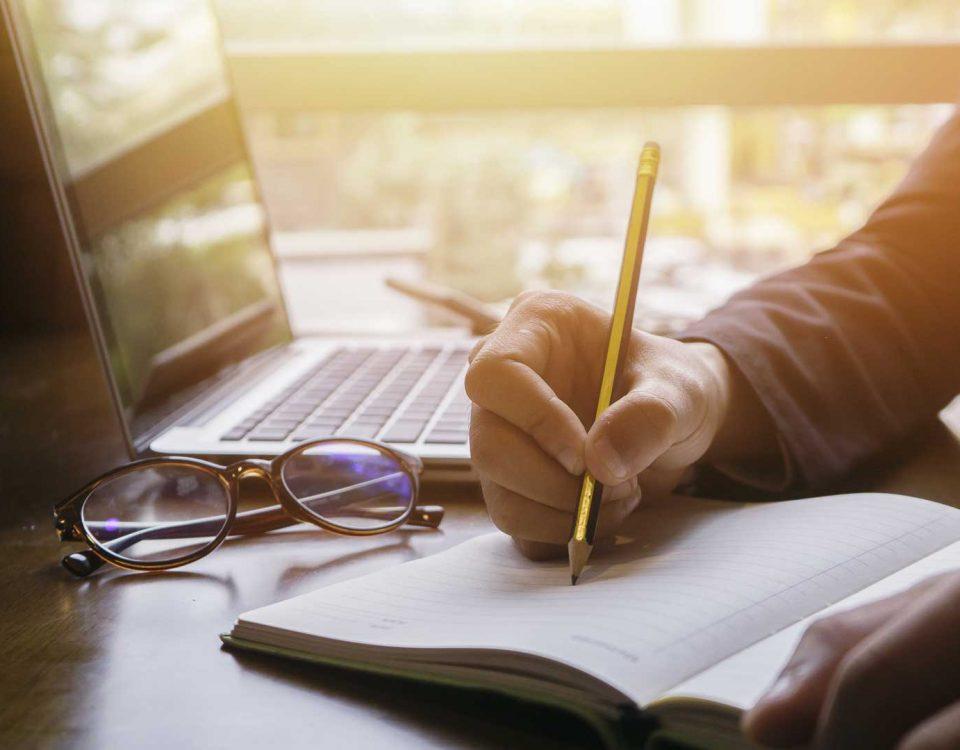 menjadi copywriter membutuhkan skill khusus