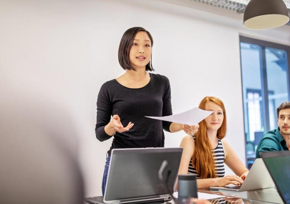 menjadi pengusaha memerlukan berbagai ilmu, salah satunya adalah public speaking